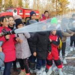 children-from-yakut-village-of-tas-yuryakh-tried-themselves-as-firefighters-01
